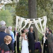 A kiss under the chuppah